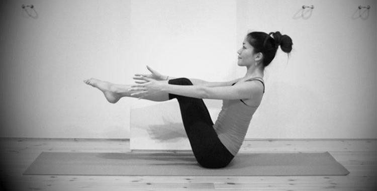 Boat Pose, Navasana: Yoga Poses Abdominal Toners