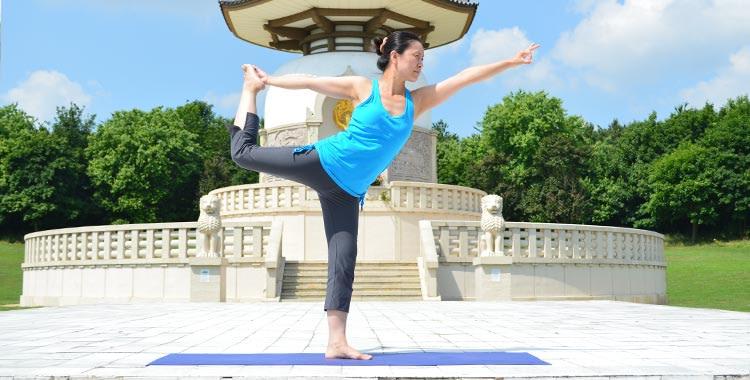 Standing Half Bow Pose, Utthita Ardha Dhanurasana